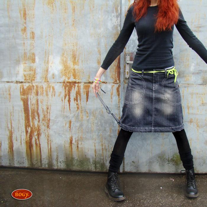 """<span>riflová sukně mírně balónová - tmavěšedá   <a href=""""https://static.flercdn.net/i2/products/4/9/4/76494/5/0/5069065/exfeujmgklycth.jpg"""" target=""""_blank"""">Zobrazit plnou velikost fotografie</a></span>"""