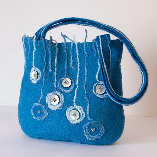 И если вы хотите в розницу или оптом купить молодежные сумки из фетра/ войлока - стильные, оригинальные... распродажа