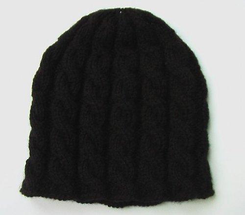 Dámská černá copánková čepice
