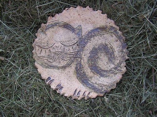 Keramický talíř s motivem kočky
