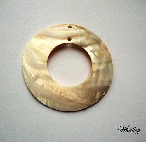 Perleťový přívěsek kruh 80mm