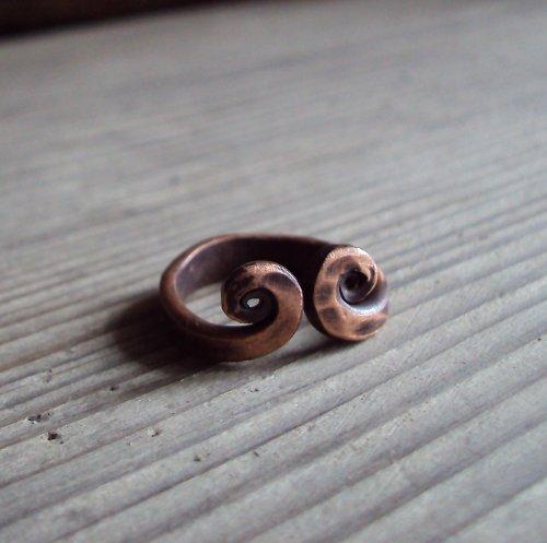 Prsten dvou spirál