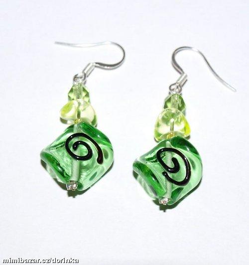 Náušníce vinuté zelené perly