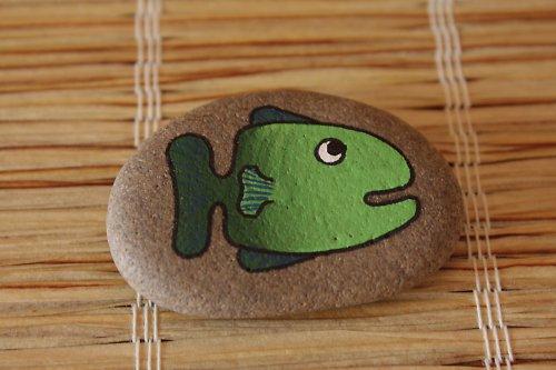 malovaný kámen - rybka