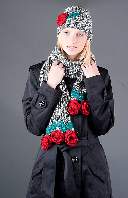 Popis - návod na pletenou šálu a čepici Red Roses