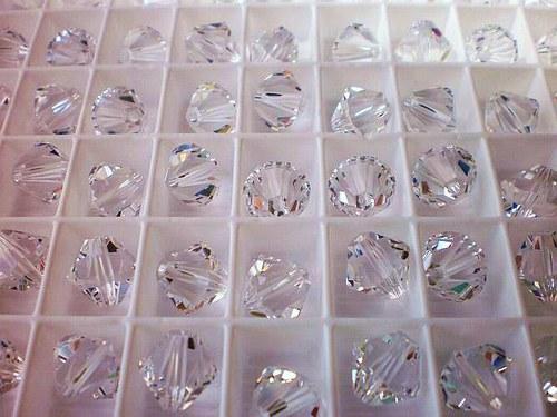 SWAROVSKI ELEMENTS 8MM XILION Bead crystal