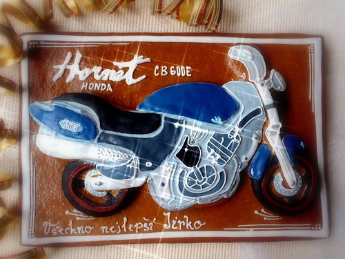 2D perníková Honda v modrém