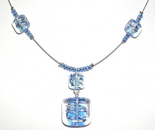 Náhrdelník z korálků Kostky se stříhaným stříbrem - vinuté perle