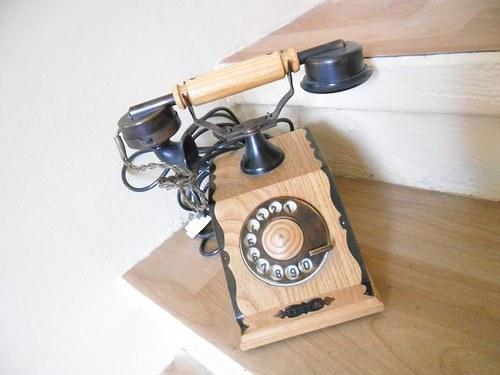 Replika telefonu z 20´let.