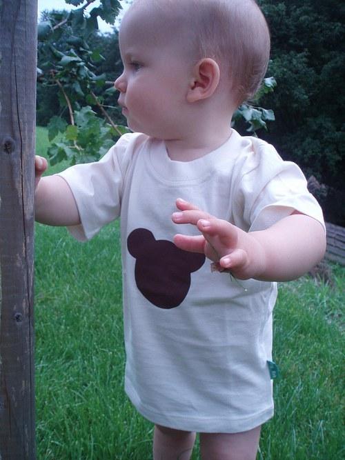BIO tričénko s BIO medvědem na BIO děťátku