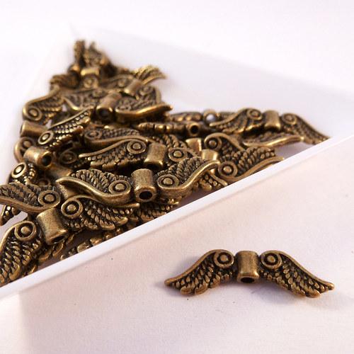 Kovová andělská křídla 23 mm starozlato 8 ks