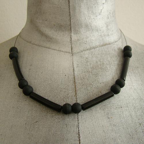 náhrdelník -  černý mat a lesk