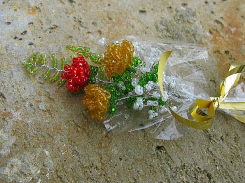 Malá kytička z korálek
