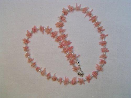 Perleťové tyčky.