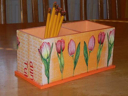 Dvojstojánek na tužky Tulipány