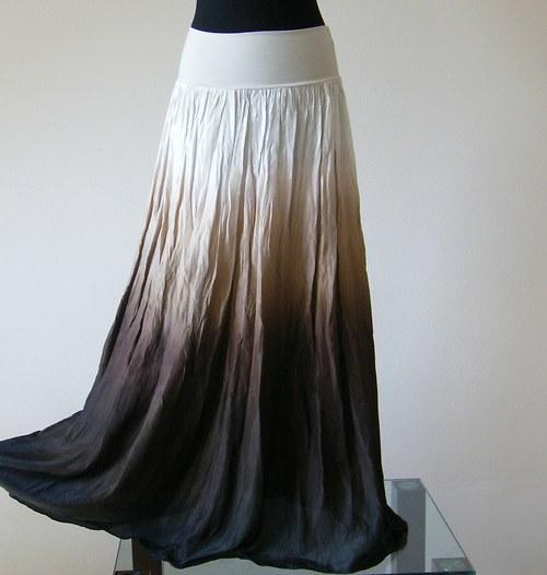 Káva se smetanou...hedvábná sukně