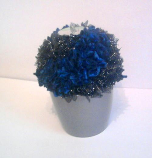 svícen - květina modrá,černá