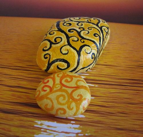 sada malovaných kamínků ORNAMENTY