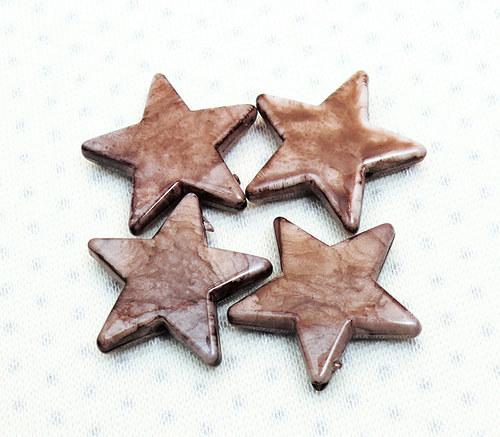"""Korálky - hvězdy \""""hnědé\""""2 ks"""