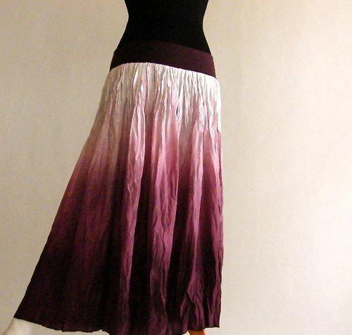 Nádech romantiky - dlouhá hedvábná sukně