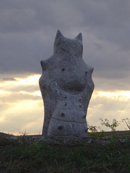 Kukla - slivenecký mramor