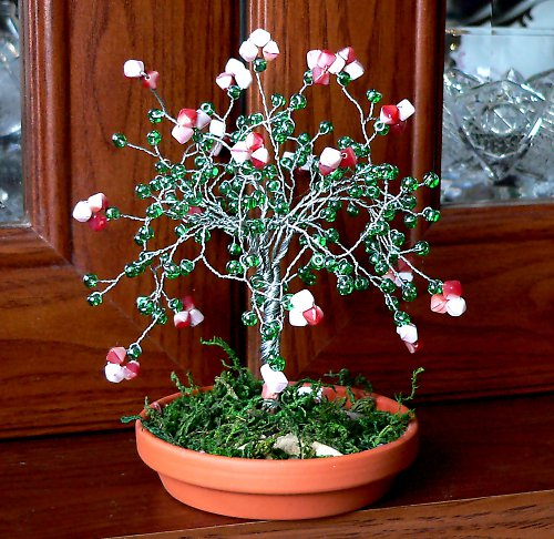 stromeček z korálků-str.růže