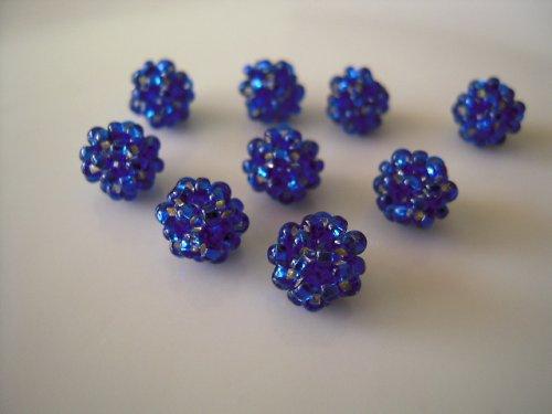 Tmavě modré kuličky