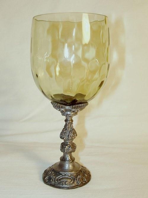 sklenice na víno - se vzorovanou nožkou