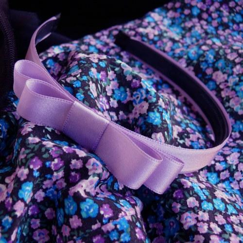 Světle fialová čelenka s mašlí