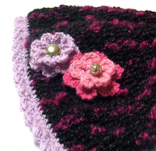 Čepice s květy