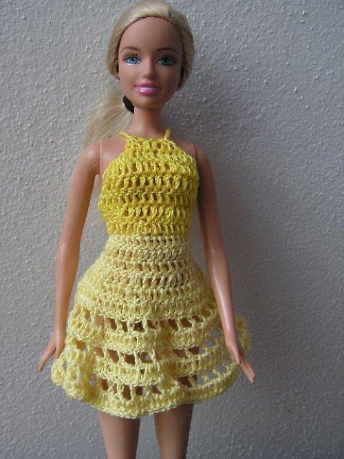 Háčkované šaty pro Barbie