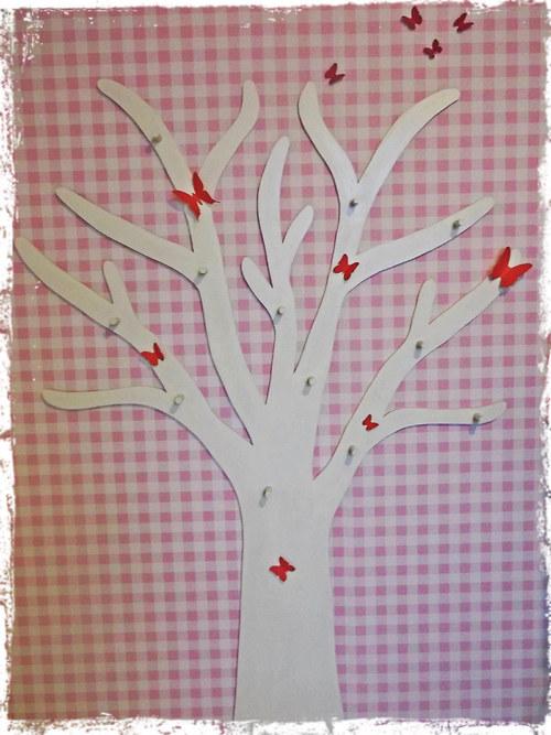 Věšák - strom