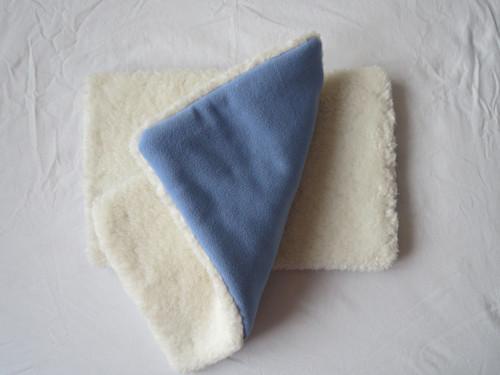 Podložka do přepravky 24 x 40 cm beránek/fleece