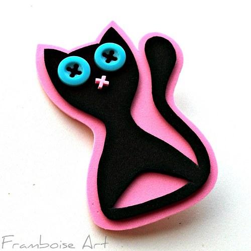 Černo růžová kočka