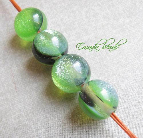 Resin korále s leskem, zelená 1,2 cm