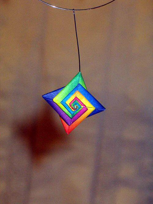 Duhový spirálkově  plochý náhrdelník