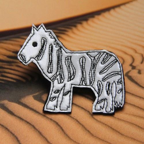 Brož nany zebra