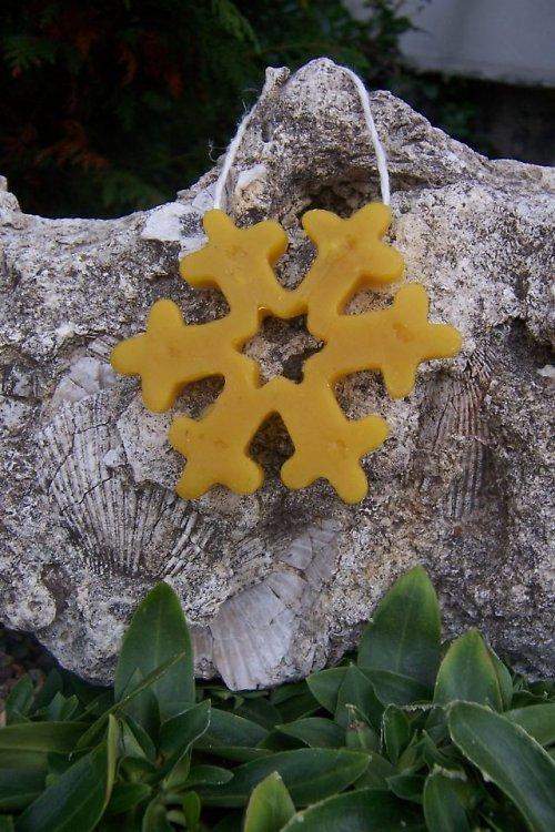 Vánoční ozdoba vločka malá 100% včelí vosk