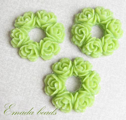 Resin věneček, kabošon zelená 2,9 cm
