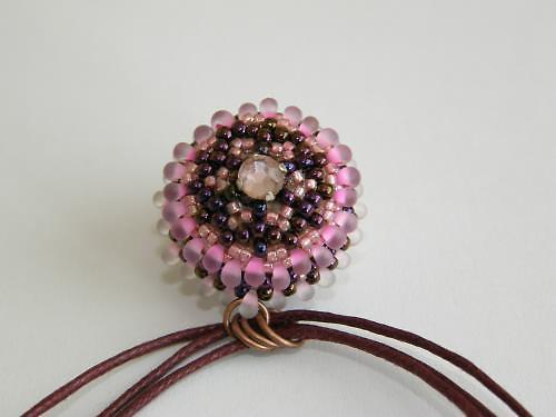 Náhrdelník šitý růžový BH-016