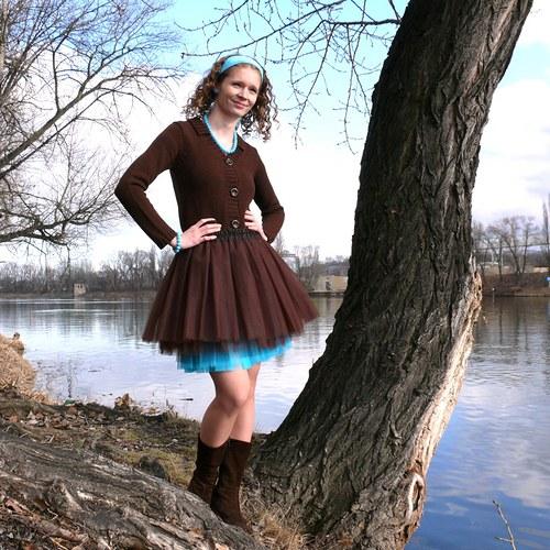 Hnědo-tyrkysová tylová sukně