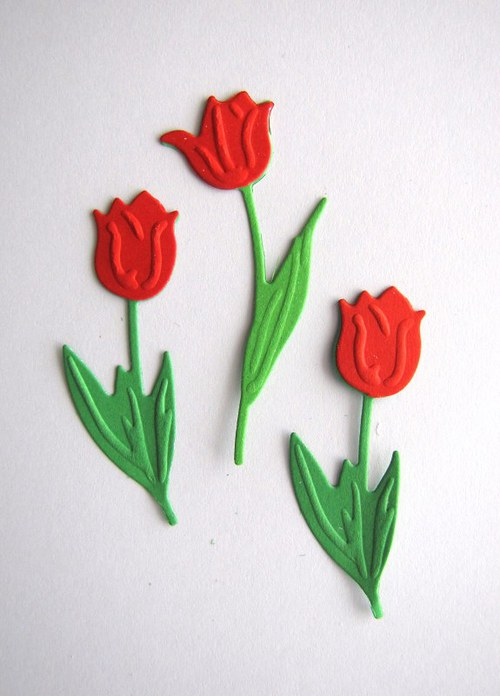 Tři tulipány červené