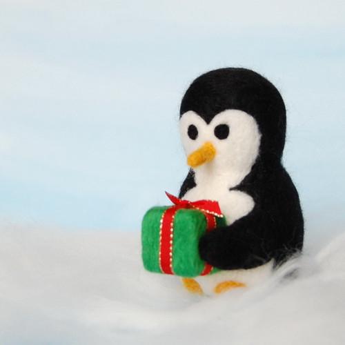 Gentleman ve fraku a vánoční dárek