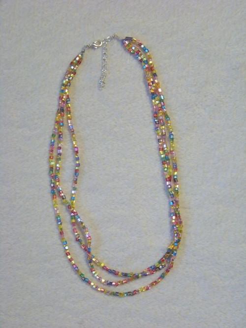 Trojřadý duhový náhrdelník III.