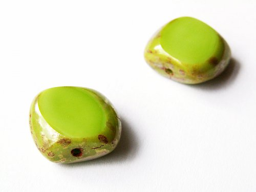 Zelené kosodélníky s travertinem (ploškované)