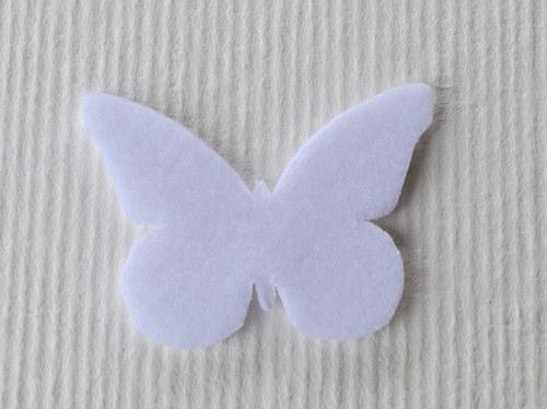 Výsek z plsti - motýlek bílý