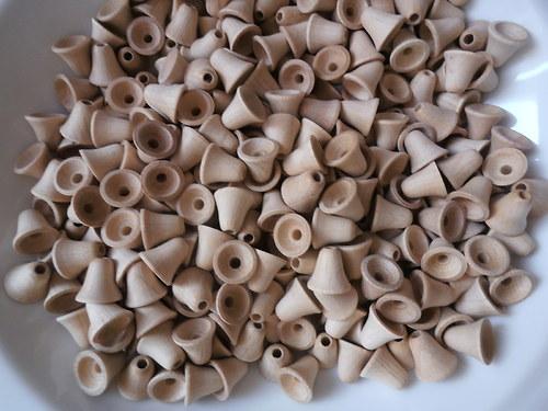 dřevěné korálky 12x12mm, zvoneček