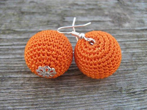 háčkované maxi kouličky- oranžové