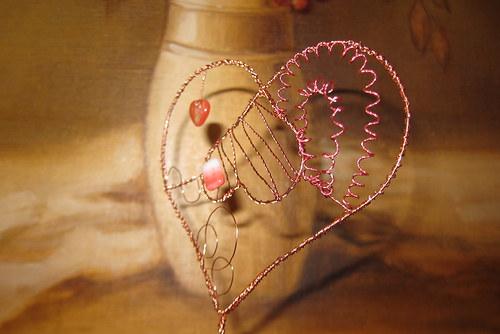 Malé srdce protilehlé a v objetí velkého...