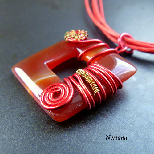 Červenozlatý karneol